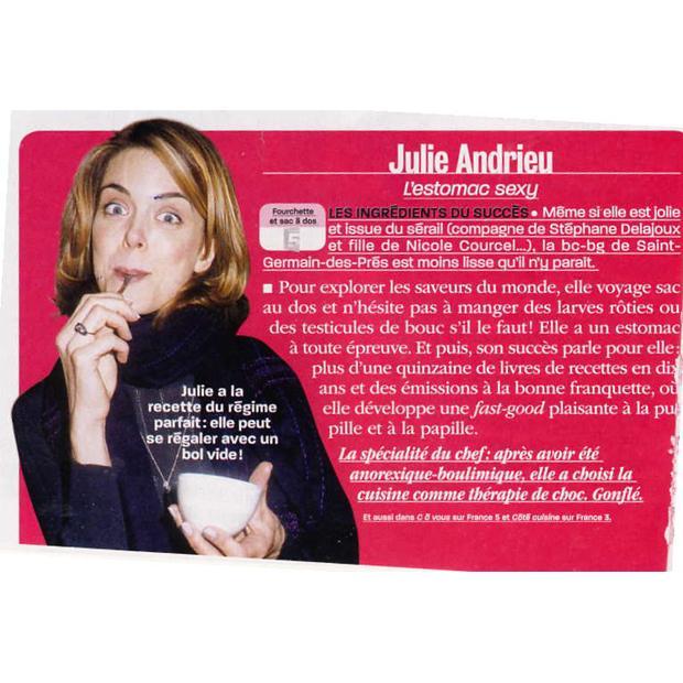 Julie Andrieu, l'estomac sexy