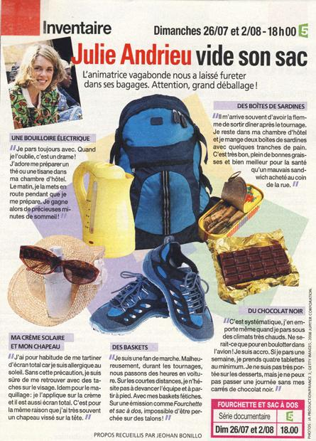 Julie Andrieu vide son sac