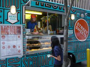 sweet truck, New Yor, Fourchettes et sac à dos