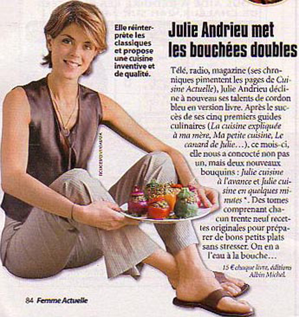 Julie Andrieu met les bouchées doubles